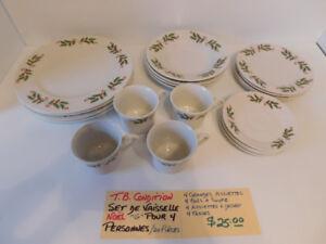 """Set de vaisselle """" Noël """" G """" pour 4 personnes"""