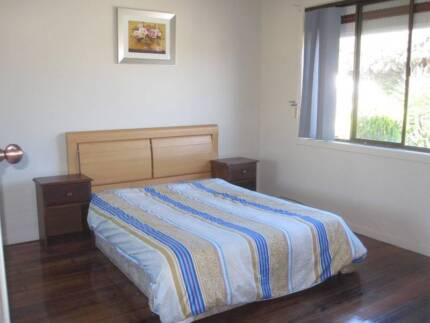 Ensuite Room in Williamstown 3min walk to Station 2min to beach