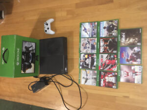 Black Xbox One with games (Madden, Blackops 3 and more