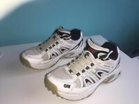GM CRICKET BOOTS NON SPIKES SIZE 3