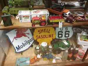 Nostalgia, oil tins, collectible cars, bottles + 600 booths  Cambridge Kitchener Area image 1
