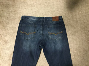 """Lucky Brand Jeans - 36"""" x 32"""" - Relaxed fit"""