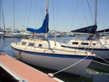 Spacesailer 27 class keelboat, suitable for racing or cruising