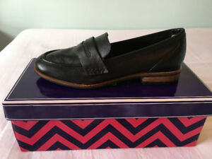 BRAND NEW - Seychelles Leather Loafers