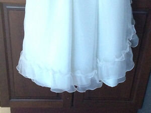 First Communion or Flower Girl Dress w/Floral Crown - Like New! London Ontario image 6