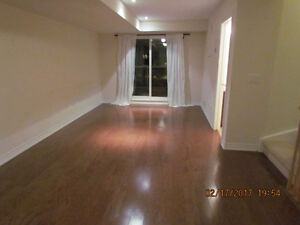 **** MILTON TOWN HOUSE FOR RENT***AVAIL MARCH 1ST