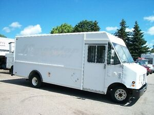 2004 FORD UTILIMASTER