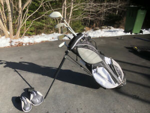Boy's Left Golf Clubs and Carry Bag