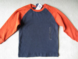 BRAND NEW - GAP SHIRT - SIZE XS (4)