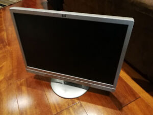 """HP Pavilion w19e 19"""" LCD monitor with speakers working condition"""