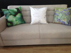 CUSTOM AND COMMERCIAL UPHOLSTERY