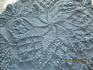 hand knit pinwheel design afghan London Ontario image 1