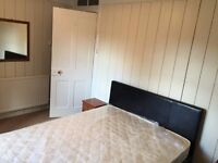 Double room to let £400 per month bills inc, Chudleigh, Devon
