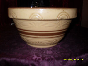 RRP Co. Pottery Mixing Bowl – 9 inch -  Bowl - #395 Brown Stripe