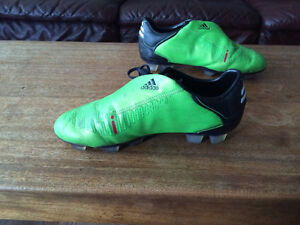 Addidas Cleats -- Excellent Condition