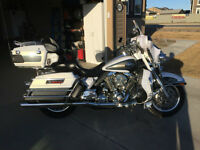 2008 Ultra Classic Electra Glide Must be seen!