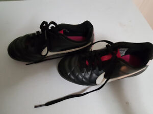 Nike girls soccer cleats, size 12