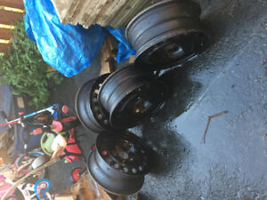 Jantes pneus 16 po pour Dodge Journey excellent état !