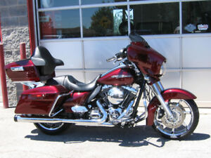 2014 Harley Street Glide Special FLHXS  * NAV, Only 13,000kms! *