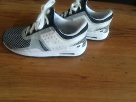Toddler Nike Air Max size 9.5
