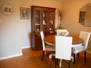 pedestal dining table and chairs with hutch