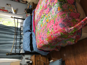 Seally Queen matress box spring frame & head board