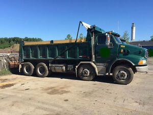 Camion 12 roues Sterling STE