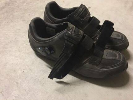 Shimano Clipless MTB shoes SH-M089L, cleats and pedals.