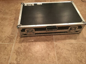 Soundcraft 20 channel mixer with case London Ontario image 2