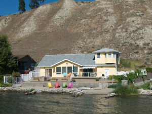 Skaha Waterfront 4 Br Home for weekly or monthly rental