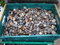 Large loose stones 30mm+ 5 crates.