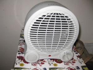 AirWorks 1500W Portable Heater ~ Model # FFH2