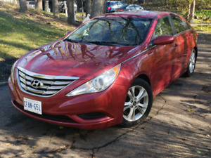 2011 Hyundai Sonata with low km.. SELLING CERTIFIED