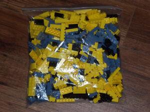 MEGA BLOKS *plus de 700 pièces*