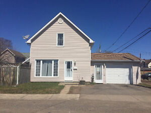 NEW LISTING! OPEN HOUSE SUNDAY MAY 1ST 1-3pm