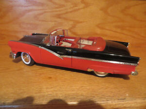 1956 Ford Sunliner Convertible-1:18 Scale Diecast Car