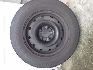 4 215 X 70r16 Winter tires and GM 16 X 6.5 Rims (Saturn Vue)