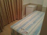 *** Nice & Affordable Box Room in Star Lane, All inclusive ***