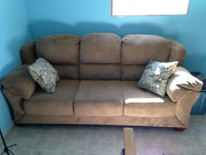 England brand couch