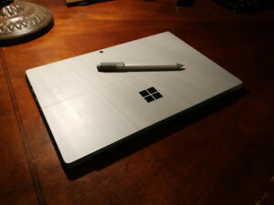 Microsoft Surface Pro 4 i7/8GB/256GB + Typecover , Dock and Pen