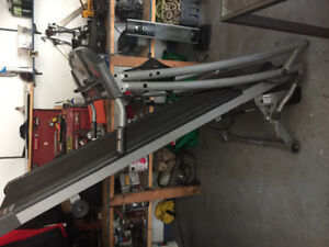 Awesome horizon fitness treadmill, poor owner, for sale
