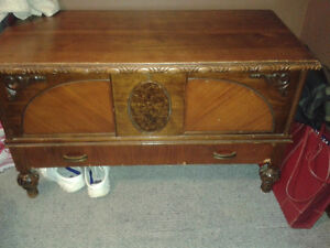 Ceder chest with drawer