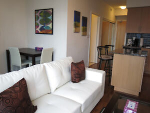 August: Furnished Downtown Exec Suite next to Union & Harbour