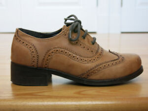 Unisex Leather Oxford Shoes