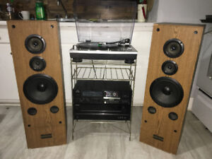 Turntable/Cassette/Aux/USB Stereo System