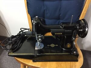 Vintage Featherweight Singer Sewing Machine