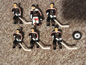 WAYNE GRETZKY TABLE HOCKEY TEAMS AND ACCESSORIES WANTED London Ontario image 1