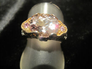 MORGANITE & PINK SAPPHIRE RING IN WHITE & YELLOW GOLD VERMEIL.