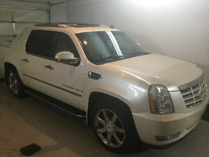 2009 Cadillac Escalade Ext Luxury Pickup Truck-low mileage