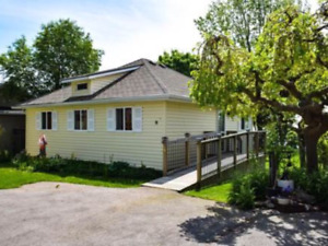 Waterfront cottage in Port Dover for weekly rental